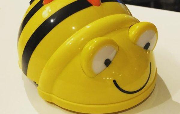Beebot är ett bi som lär barn programmering